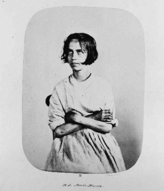 Портреты -проблемных девиц- — обитательниц Бедлама
