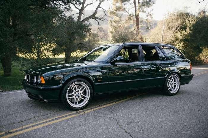 Универсал BMW M5 1995 года специальной версий -Elekta-