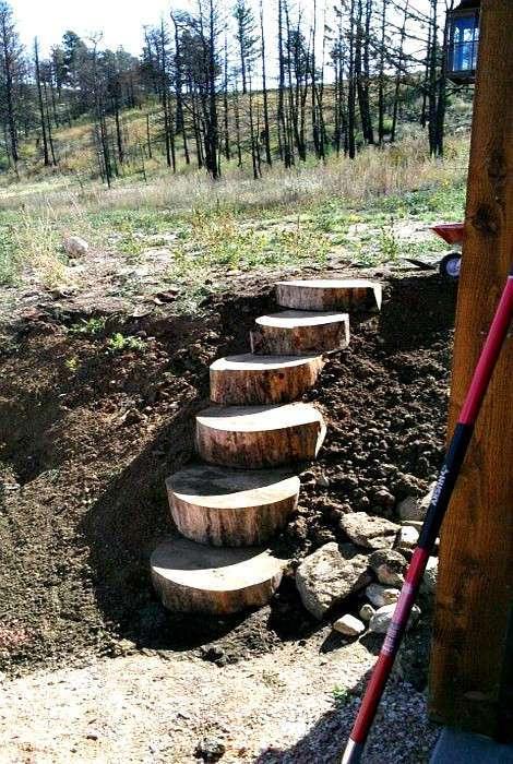 19 вариантов лестниц и дорожек для оформления загородного участка
