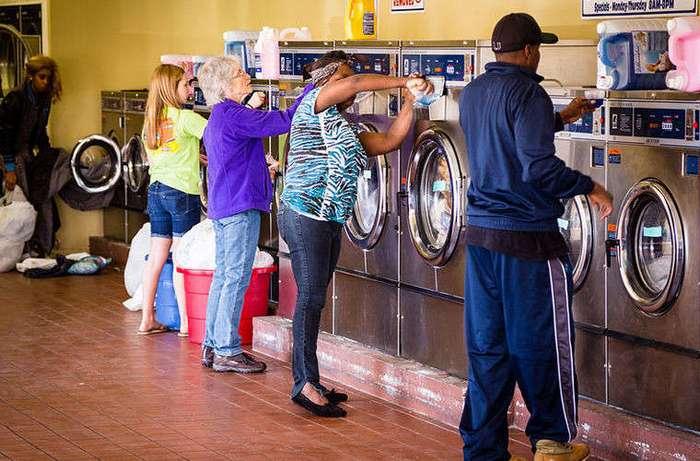 Почему в США до сих пор используют общественные прачечные?