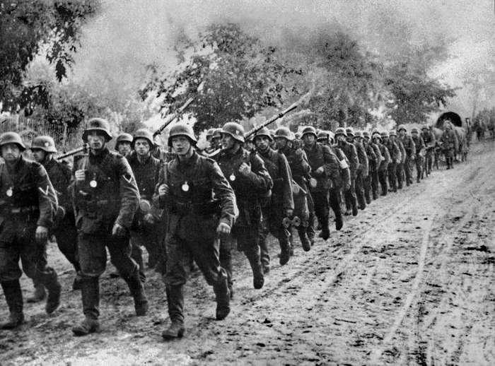 СОБИРАЛСЯ ЛИ СССР НАПАСТЬ НА ГЕРМАНИЮ В 1941 ГОДУ.