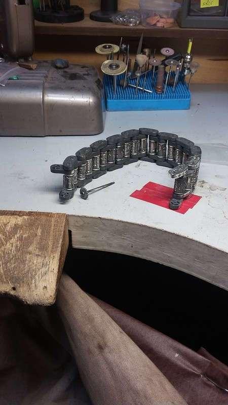 Как сделать стильный серебряный браслет