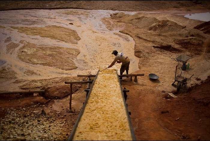 Как добывают алмазы на заброшенном руднике в Бразилии