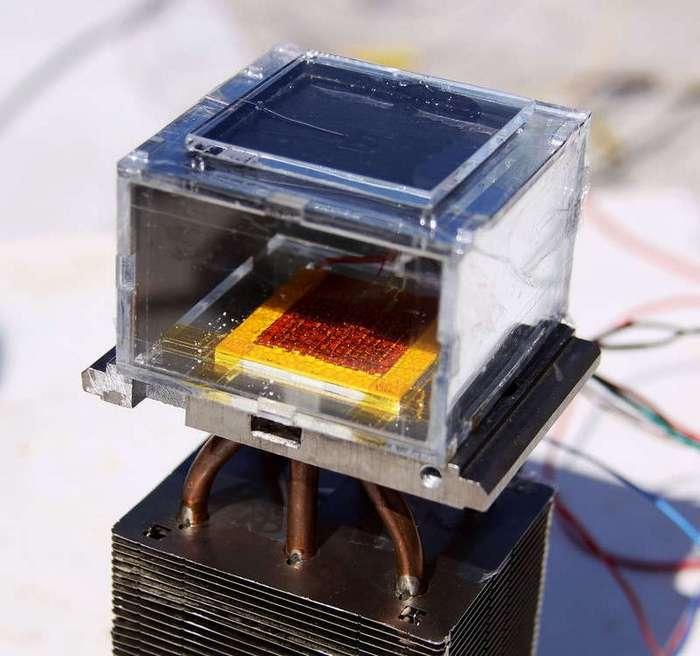 Это устройство добывает воду прямо из воздуха, используя только энергию Солнца