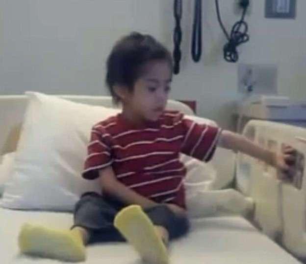 Голодающий мальчик найден на чердаке дома собственной матери. Только чудо спасло его!