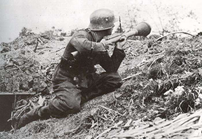 Фаустпатрон против танков в битве за Берлин - легенда и реальность