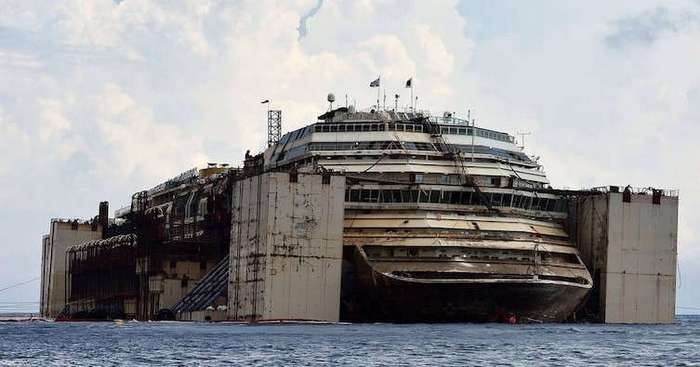 Как выглядит круизный лайнер -Коста Конкордия- спустя 5 лет после крушения