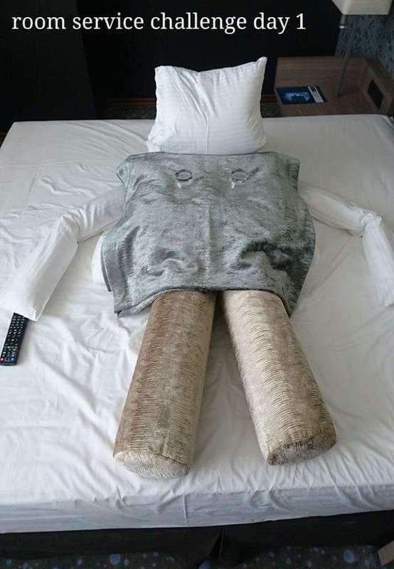 Необычное общение креативного постояльца гостиницы с горничной