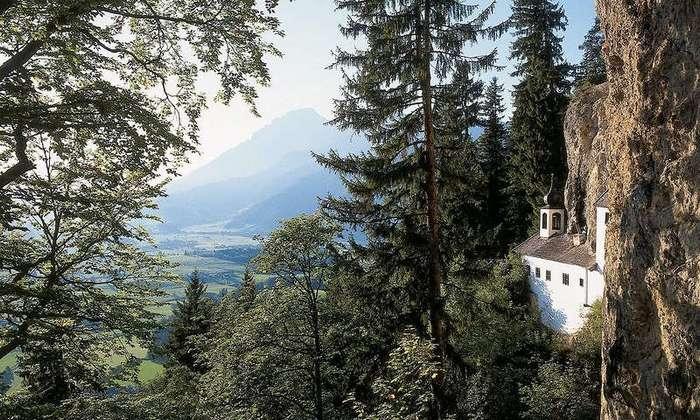 Бельгиец получил работу мечты — смотрителем-отшельником глухого скита в Альпах