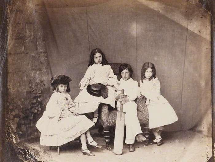 Алиса из -Страны чудес-, Фарадей и датский принц на снимках Льюиса Кэрролла