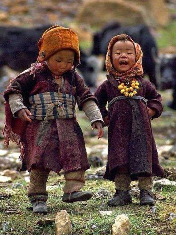 Посмотрите, КАК они улыбаются
