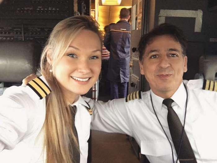 Мишель Гурис — 25-летняя девушка-пилот, демонстрирующая свою гламурную жизнь в Instagram