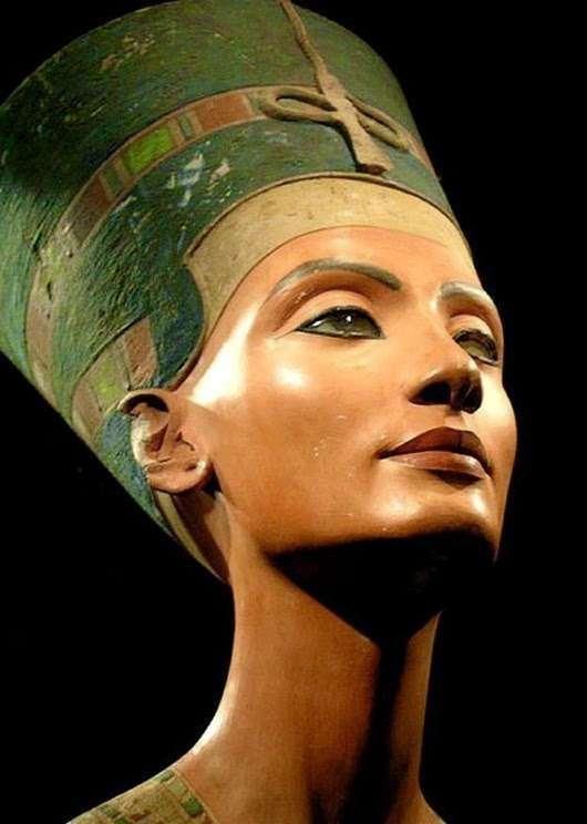 Загадки красавицы Нефертити