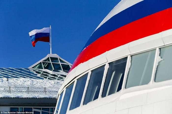 Россия наращивает военную мощь среди льдов Арктики