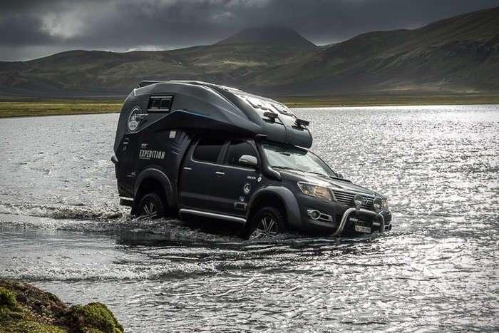 Пикап Toyota, который превратили в комфортный и суперпроходимый дом на колёсах