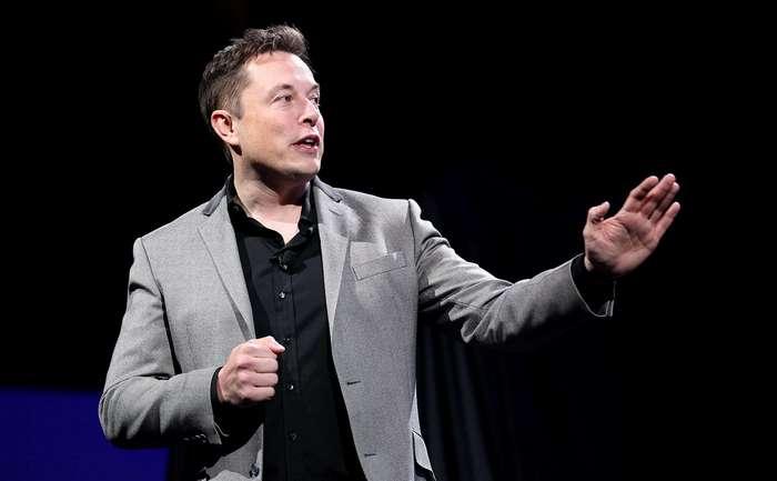 Элон Маск: соединить мозг с компьютером можно будет через 8 лет