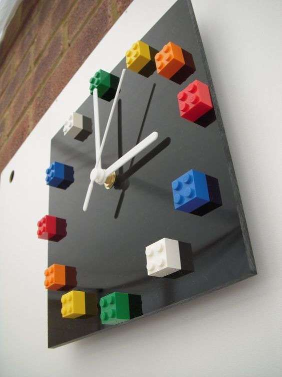 Сверяем время по удивительным дизайнерским часам