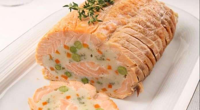 Рулет из лосося — вкусно и просто