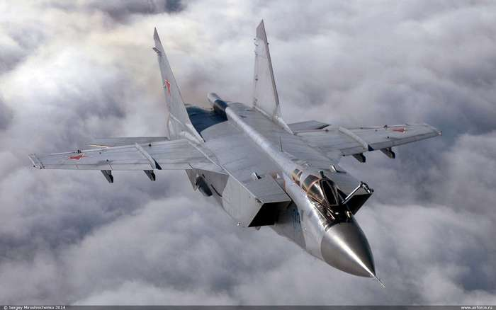 """Русский МиГ-31 против """"неуязвимого"""" американского SR-71"""