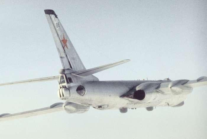 Дальний бомбардировщик ТУ-16