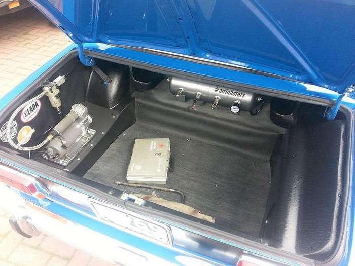 В Британии выставили на продажу интересный ВАЗ-2103