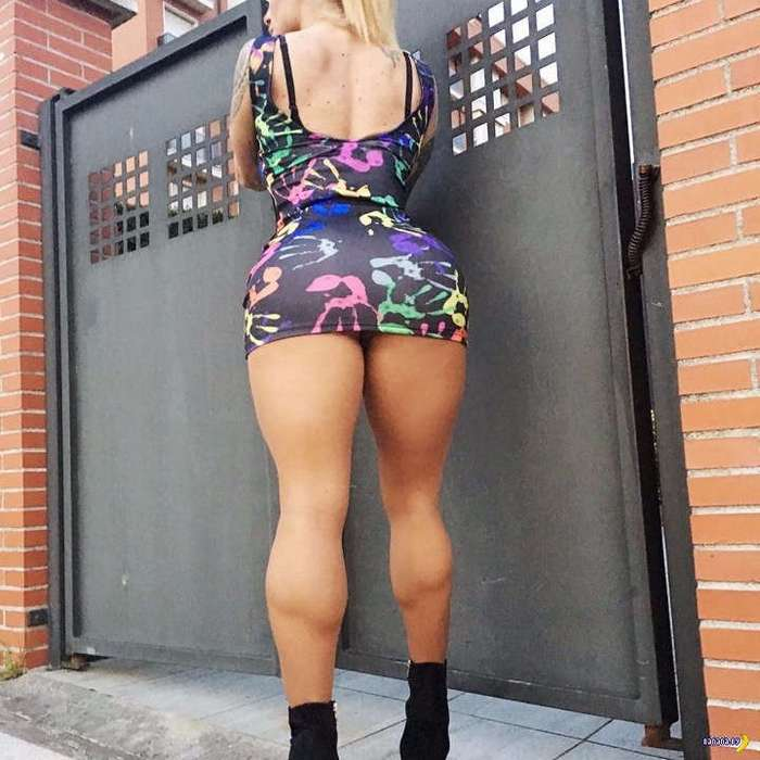 Виктория Ломба –одна из самых главных задниц Инстаграма