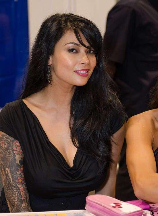 Фото самых красивых девушек. Чертовски красивые с ШИКарными формами 150517-199-49