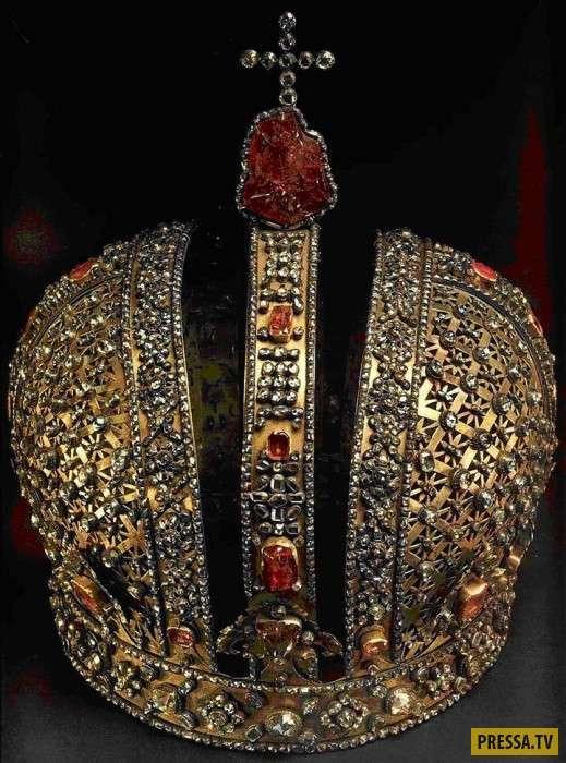Самые известные в истории короны (11 фото)