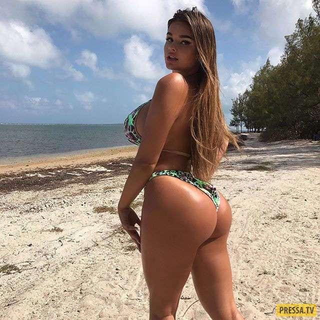 Соблазнительная Анастасия Квитко на пляже в мини-бикини и на шпильках (10 фото)