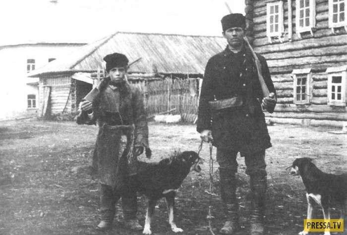 Сколько получал и как жил чиновник в царской России (7 фото)