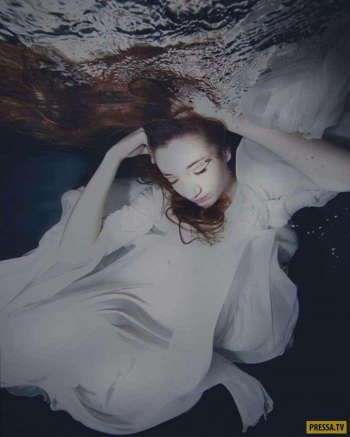 Красивые девушки в объятиях водной стихии (32 фото)