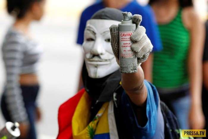 Протесты в Венесуэле (22 фото)