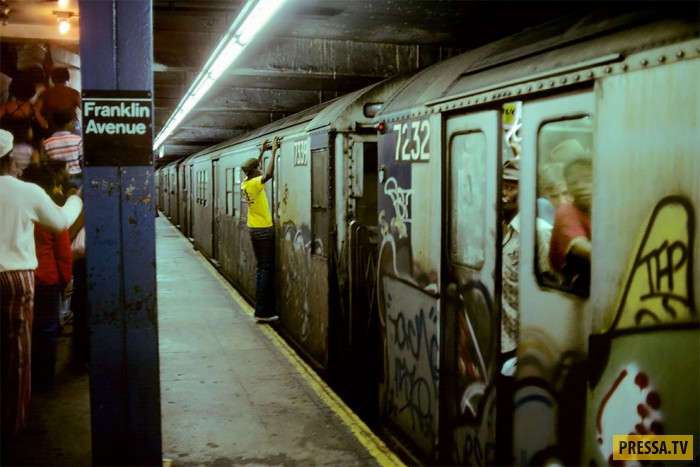 Подземка Нью-Йорка в 1979 году -Ад на колесах- (17 фото)