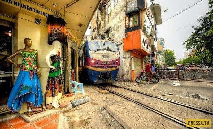 ТОП-7 поездов, которые проходят по самым экстремальным местам (10 фото)