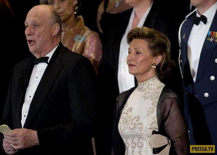 Норвежский король Харальд V и королева Соня - любовь, прошедшая невероятные испытания (11 фото)