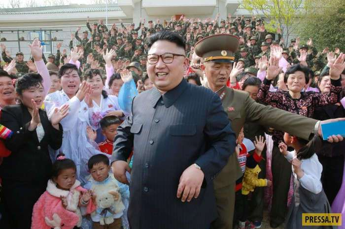 Будни жизни людей в городе Пхеньян Северная Корея (55 фото)