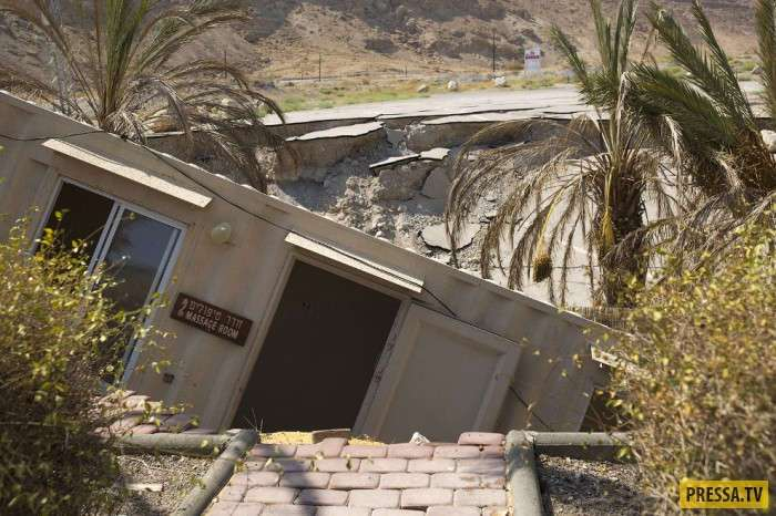 Мертвое море умирает — его уровень падает более чем на метр за год (19 фото)