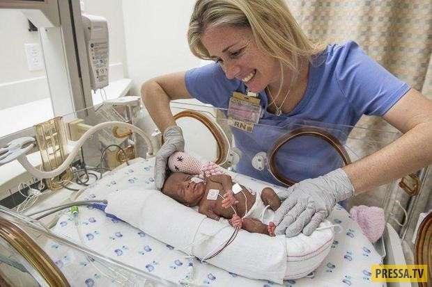 Женщина, которая 17 лет не могла забеременеть, выносила и родила шестерых (!) малышей! (3 фото)