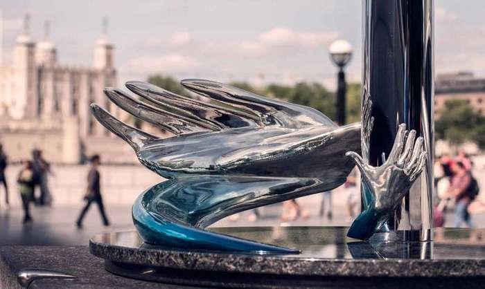 Эти абстрактные скульптуры становятся понятны только в зеркальном отражении