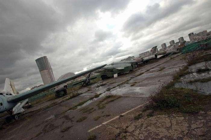 Кладбище самолетов (28 фото)