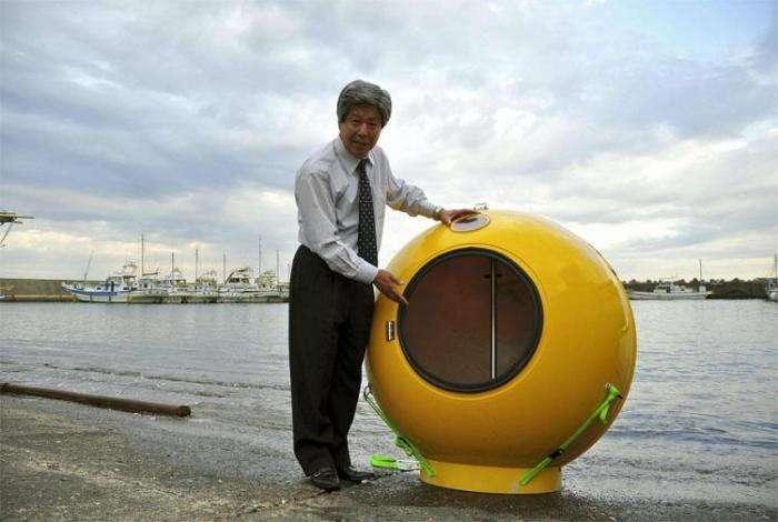 Японская капсула спасения (3 фото)