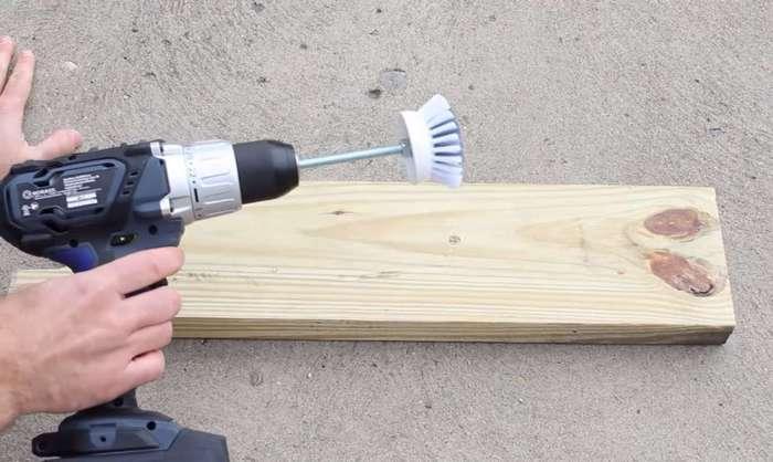 Этот гениальный трюк помог мне влегкую обновить швы между плиткой. Я в восторге!