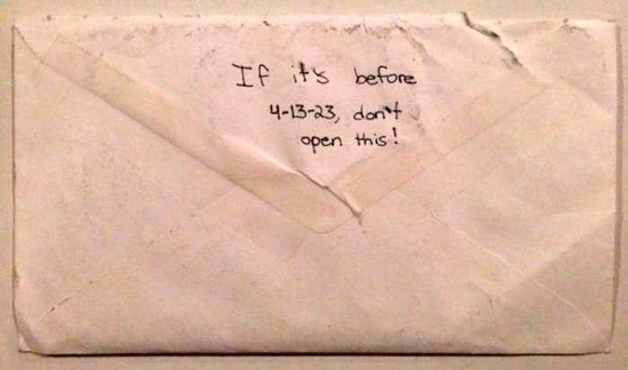 После смерти дочери они нашли ее тайное послание будущей себе. Читала сквозь слёзы!
