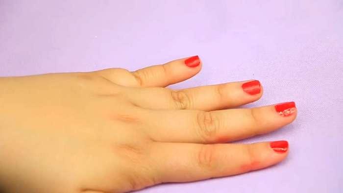 9 лайфхаков для ногтей, которые стоит взять на вооружение