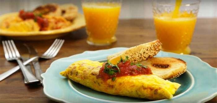 Привычный омлет на новый лад. Как приготовить любимый завтрак в пакете!