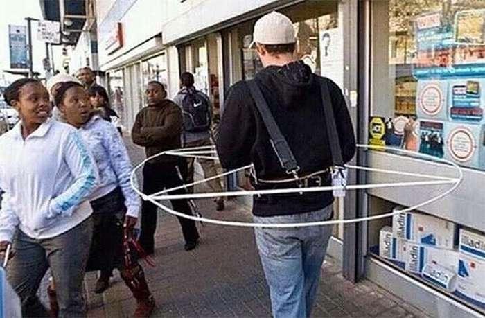 Когда уже все необходимое изобретено, приходится изобретать такое...