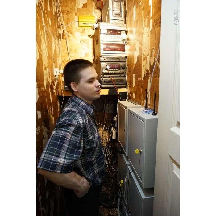 Незрячий студент сделал -умный дом- из квартиры в хрущевке