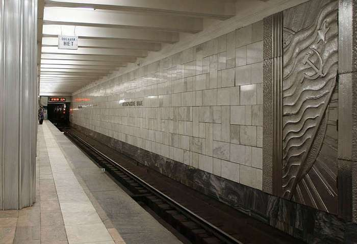 Вот, оказывается, куда ведет эта таинственная дверь напротив перрона в метро