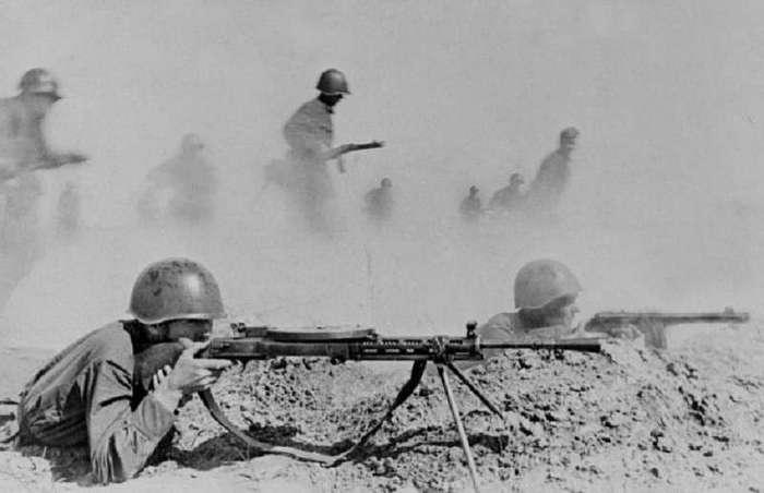 Заработала на танк, чтобы отомстить за смерть мужа: истории о любви, войне и жизни в оккупации (11 фото)