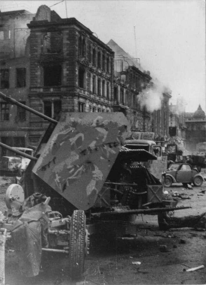Штурм Берлина (часть первая) (42 фото)